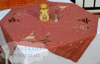 Vánoční vyšívaný ubrus STROMEK hnědý > 40x90cm