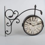 Kovové oboustranné hodiny černé